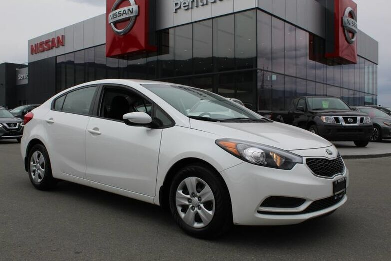 2016 Kia Forte LX, Auto, Low Km's, No Accidents, Brand New Set of Tires Kelowna BC