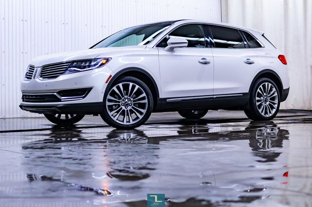 2016 Lincoln MKX AWD Reserve Leather Roof Nav BCam Red Deer AB