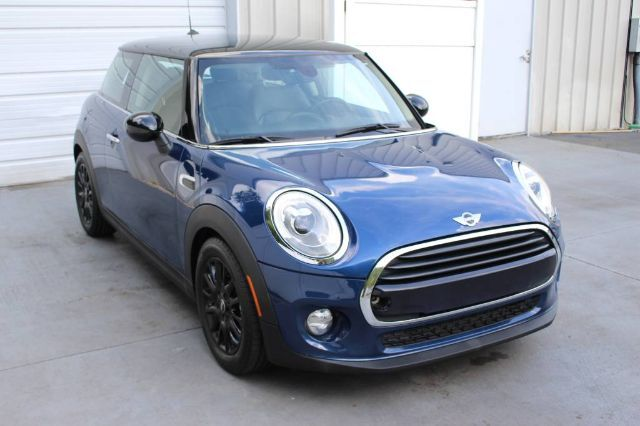 2016 MINI Cooper Hardtop Sport Package Turbo Automatic 39 mpg Knoxville TN