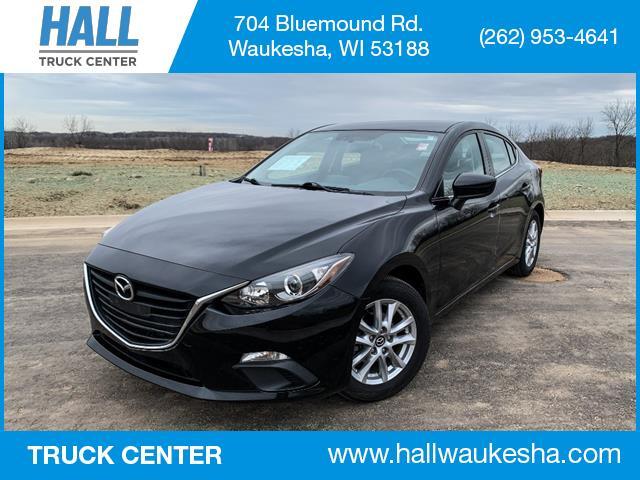 2016 Mazda Mazda3 i Sport Waukesha WI
