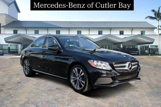 2016 Mercedes-Benz C 300 Sedan U661CB