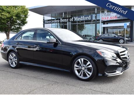 2016_Mercedes-Benz_E-Class_350 4MATIC® Sedan_ Medford OR