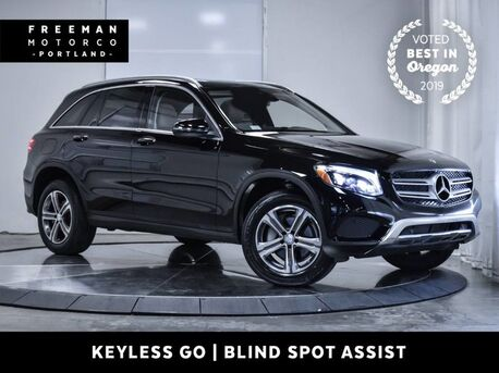 2016_Mercedes-Benz_GLC 300_4MATIC Pano Keyless Go Nav Blind Spot Assist_ Portland OR