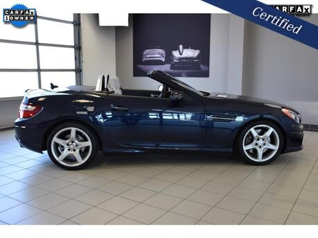 2016_Mercedes-Benz_SLK_300_ Medford OR