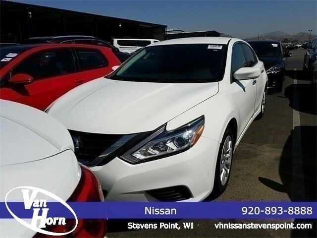 2016 Nissan Altima 2.5 S Plymouth WI