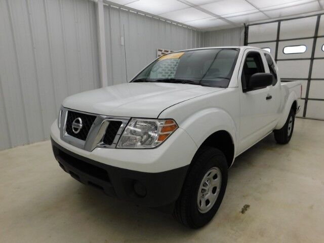 2016 Nissan Frontier 2WD King Cab I4 Manual S Manhattan KS