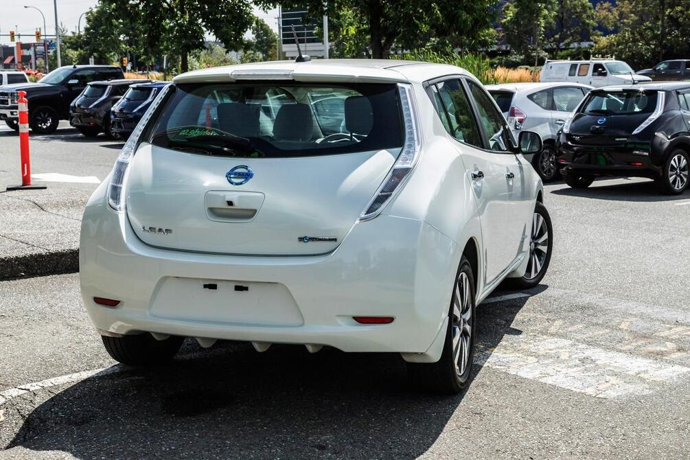 2016 Nissan Leaf SV | Quick Charge | Nav | Heated Seats Coquitlam BC