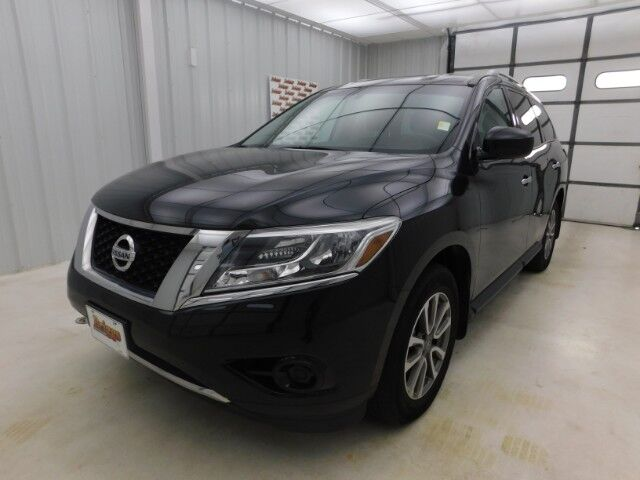 2016 Nissan Pathfinder 4WD 4dr S Manhattan KS