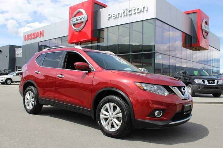 2016 Nissan Rogue SV Tech, AWD, Low Km's, Navigation, All Around Cameras, and Only One Owner Kelowna BC