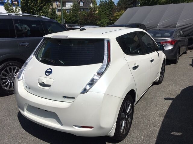 2016 Nissan SV SV | Quick Charge | Nav | Heated Seats Coquitlam BC
