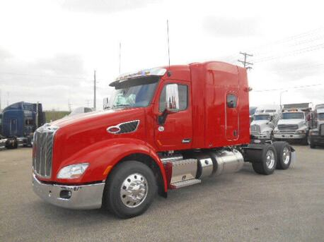 2016_Peterbilt_579_72 Inch Double Bunk High Roof_ Eau Claire MN