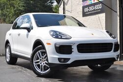 Porsche Cayenne Premium Package Plus w/ Navigation, Heated & Ventilated Front Seats, Heated Rear Seats, Porsche Entry & Drive, Lane Change Assist/Pano Roof/Trailer Hitch/19'' Turbo Wheels 2016