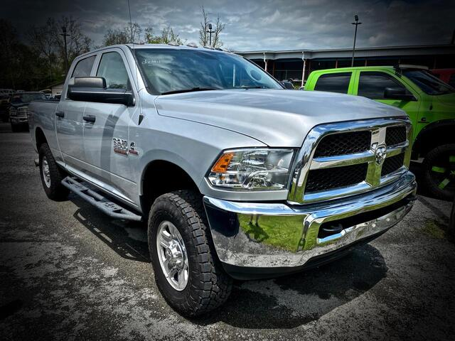 2016_RAM_2500 CREW CAB 4X4_TRADESMAN 6 SPEED MANUAL TRANSMISSION_ Bridgeport WV
