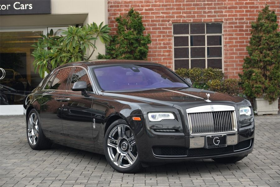 2016_Rolls-Royce_Ghost__ Beverly Hills CA