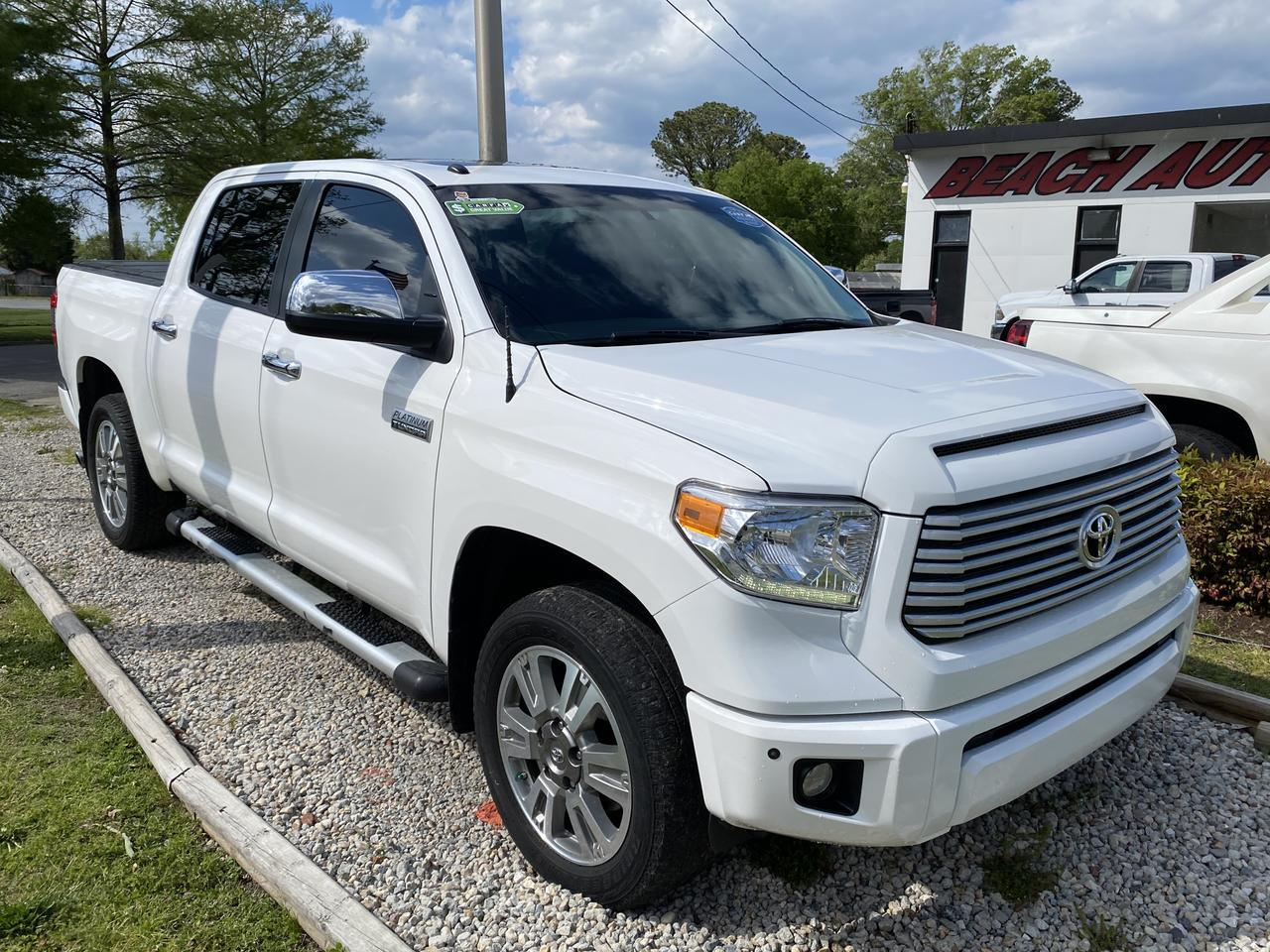 2016 TOYOTA TUNDRA PLATINUM CREWMAX 4X4, WARRANTY, LEATHER, NAV, HEATED SEATS, SUNROOF, BACKUP CAM, 1 OWNER! Norfolk VA