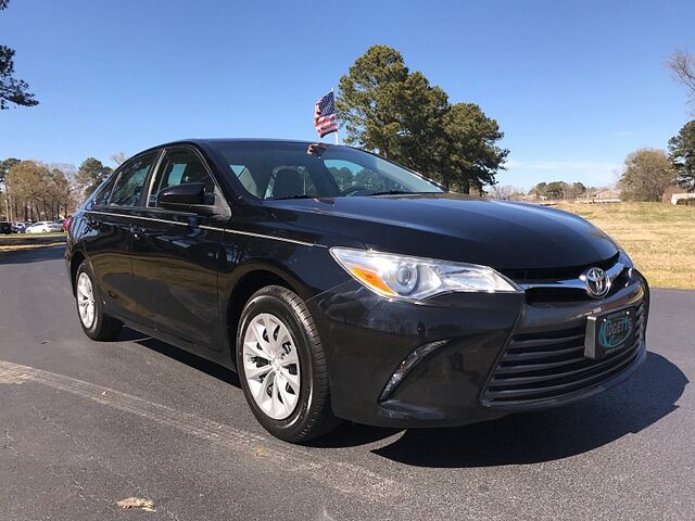 2016 Toyota Camry 4d Sedan LE Outer Banks NC