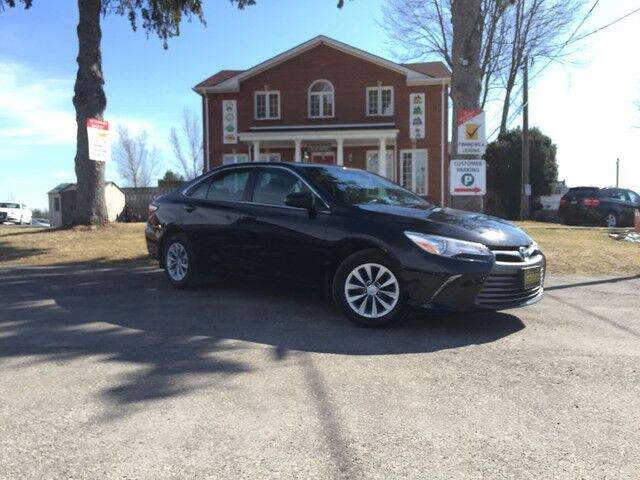 2016 Toyota Camry LE-$70/Wk-Backup Cam-Bluetooth-Htd Seats-AUX-No Accidents London ON
