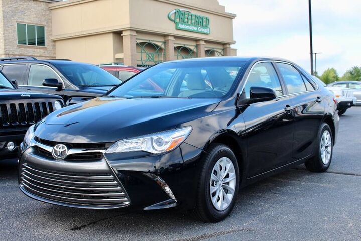 2016 Toyota Camry LE Fort Wayne Auburn and Kendallville IN