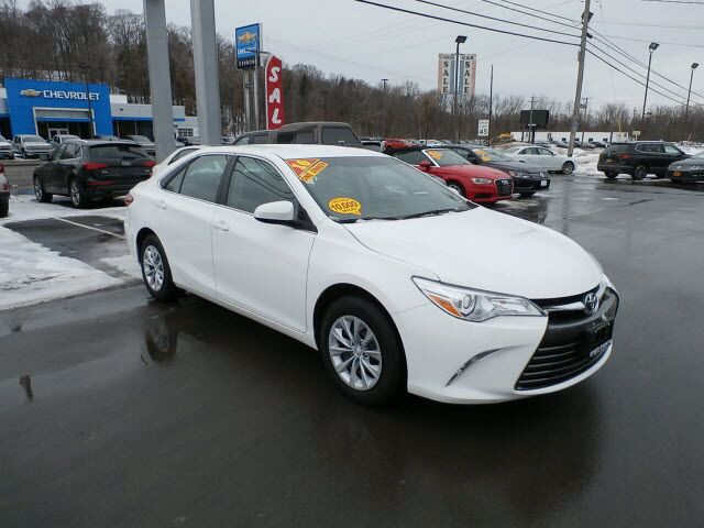 2016 Toyota Camry LE Yorkville NY