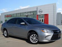 2016_Toyota_Camry_LE _