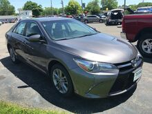 2016_Toyota_Camry_SE_ Fort Wayne Auburn and Kendallville IN