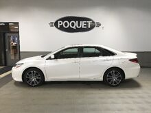 2016_Toyota_Camry_SE_ Golden Valley MN
