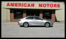 2016_Toyota_Camry_XLE_ Brownsville TN