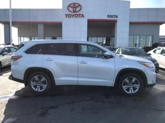 2016_Toyota_Highlander_AWD 4dr V6 Limited Platinum_ Richmond KY