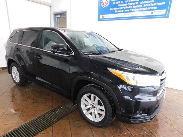 2016 Toyota Highlander LE 8 PASS Listowel ON