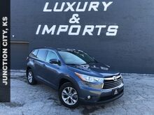 2016_Toyota_Highlander_LE Plus V6_ Leavenworth KS