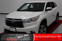 2016_Toyota_Highlander_LE Plus V6_ St. Cloud MN