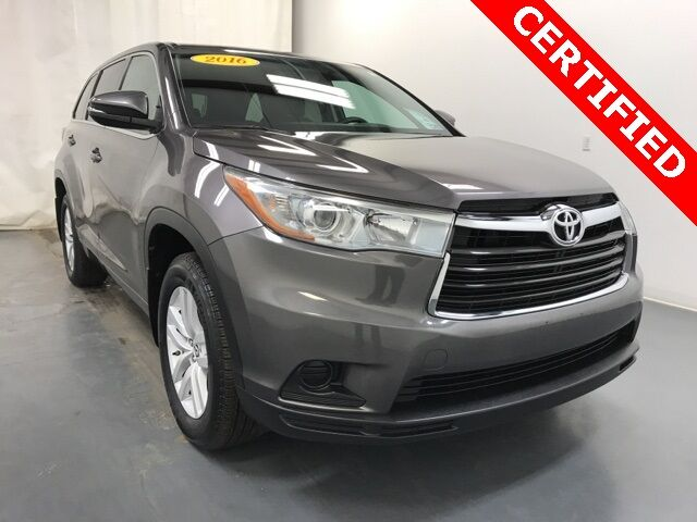 2016 Toyota Highlander LE V6 AWD Holland MI