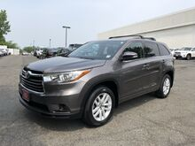 2016_Toyota_Highlander_LE V6_ Englewood Cliffs NJ