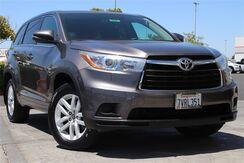 2016_Toyota_Highlander_LE V6_ Roseville CA