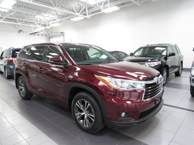 2016 Toyota Highlander XLE Green Bay WI