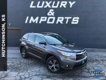 2016_Toyota_Highlander_XLE V6_ Leavenworth KS