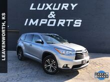 2016_Toyota_Highlander_XLE V6_ Leavenworth KS