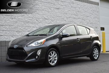2016_Toyota_Prius c_Four_ Willow Grove PA