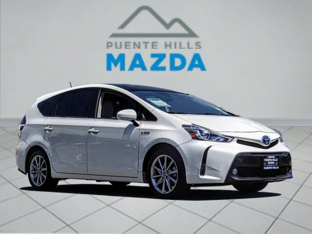 2016 Toyota Prius v  City of Industry CA