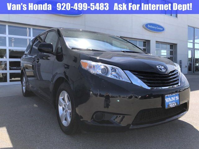 2016 Toyota Sienna LE Green Bay WI