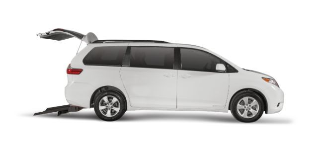 2016 Toyota Sienna LE Mobility Anaheim CA