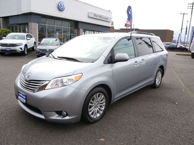2016 Toyota Sienna Limited 7-Passenger McMinnville OR