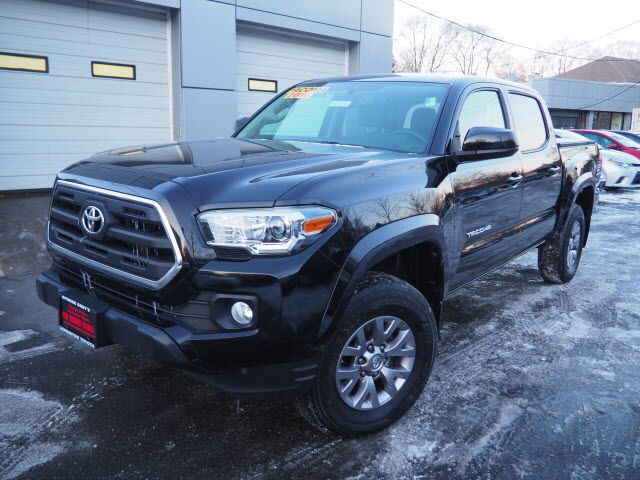 2016 Toyota Tacoma SR5 V6 Lexington MA
