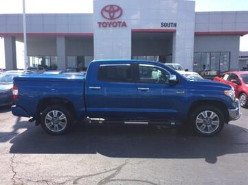 2016_Toyota_Tundra_CrewMax 5.7L FFV V8 6-Spd AT 1794_ Richmond KY