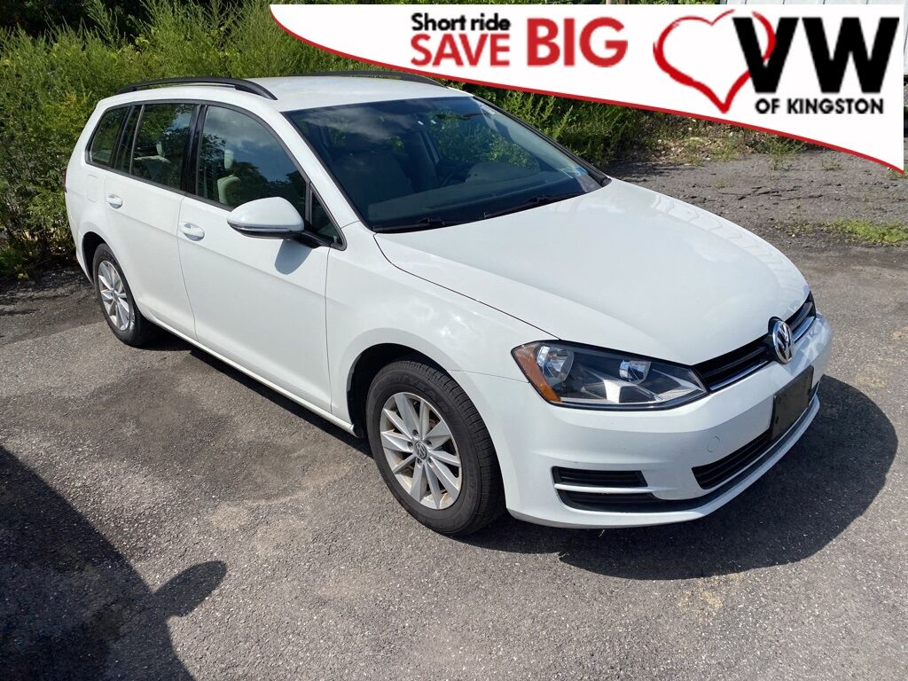 2016_Volkswagen_Golf SportWagen_S_ Kingston NY