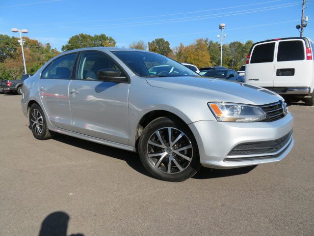 Vehicle details - 2016 Volkswagen Jetta at Gwatney Mazda ...