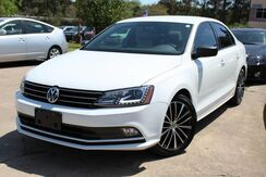 2016_Volkswagen_Jetta_1.8T Sport - w/ NAVIGATION & LEATHER SEATS_ Lilburn GA