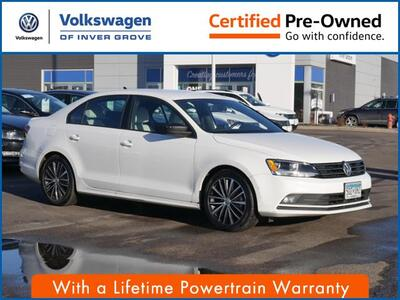 2016_Volkswagen_Jetta Sedan_1.8T Sport_ Inver Grove Heights MN
