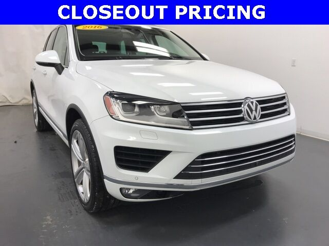 2016 Volkswagen Touareg VR6 FSI Executive Holland MI