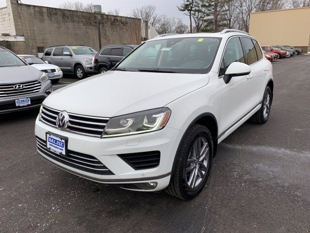 2016 Volkswagen Touareg VR6 FSI Fairfield CT